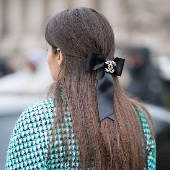 Hair, Street fashion, Hairstyle, Clothing, Turquoise, Long hair, Ear, Beauty, Polka dot, Fashion,