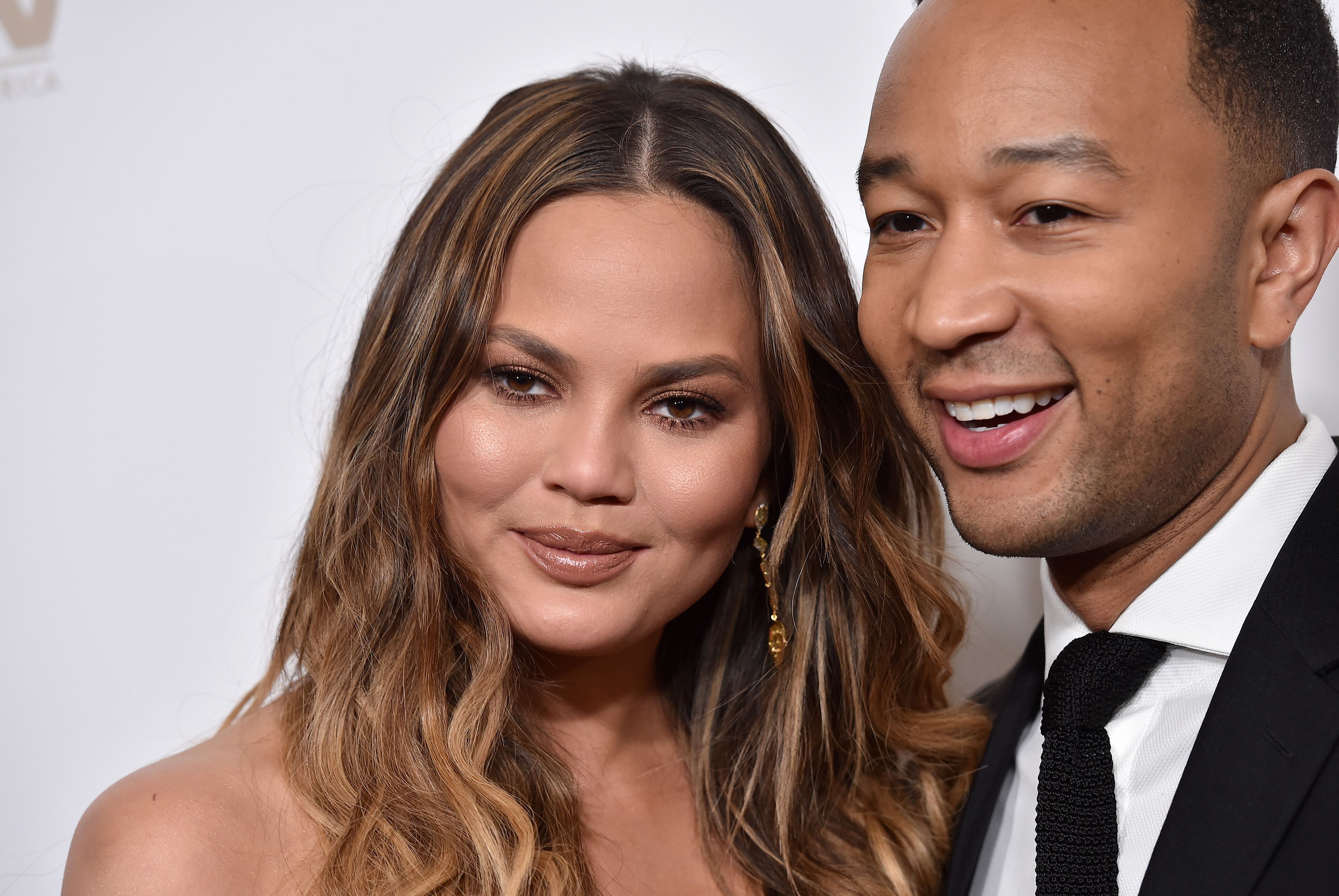 Chrissy Teigen Kindly Fixed Ivanka Trumps Tweet for Her recommendations