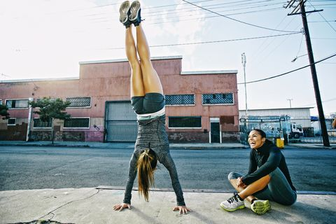 Snapshot, Arm, Leg, Performance, Acrobatics, Art, Physical fitness, Leisure, Performance art, Street performance,