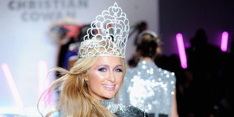 Hair accessory, Headpiece, Style, Fashion accessory, Crown, Headgear, Fashion show, Costume accessory, Fashion, Fashion model,