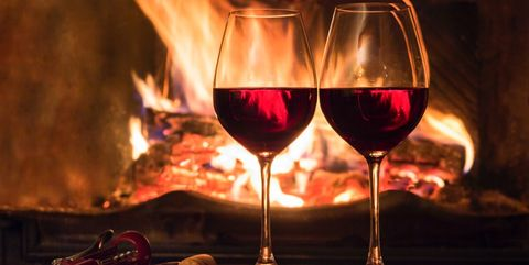 Stemware, Wine glass, Glass, Drink, Champagne stemware, Drinkware, Red wine, Alcoholic beverage, Alcohol, Wine,