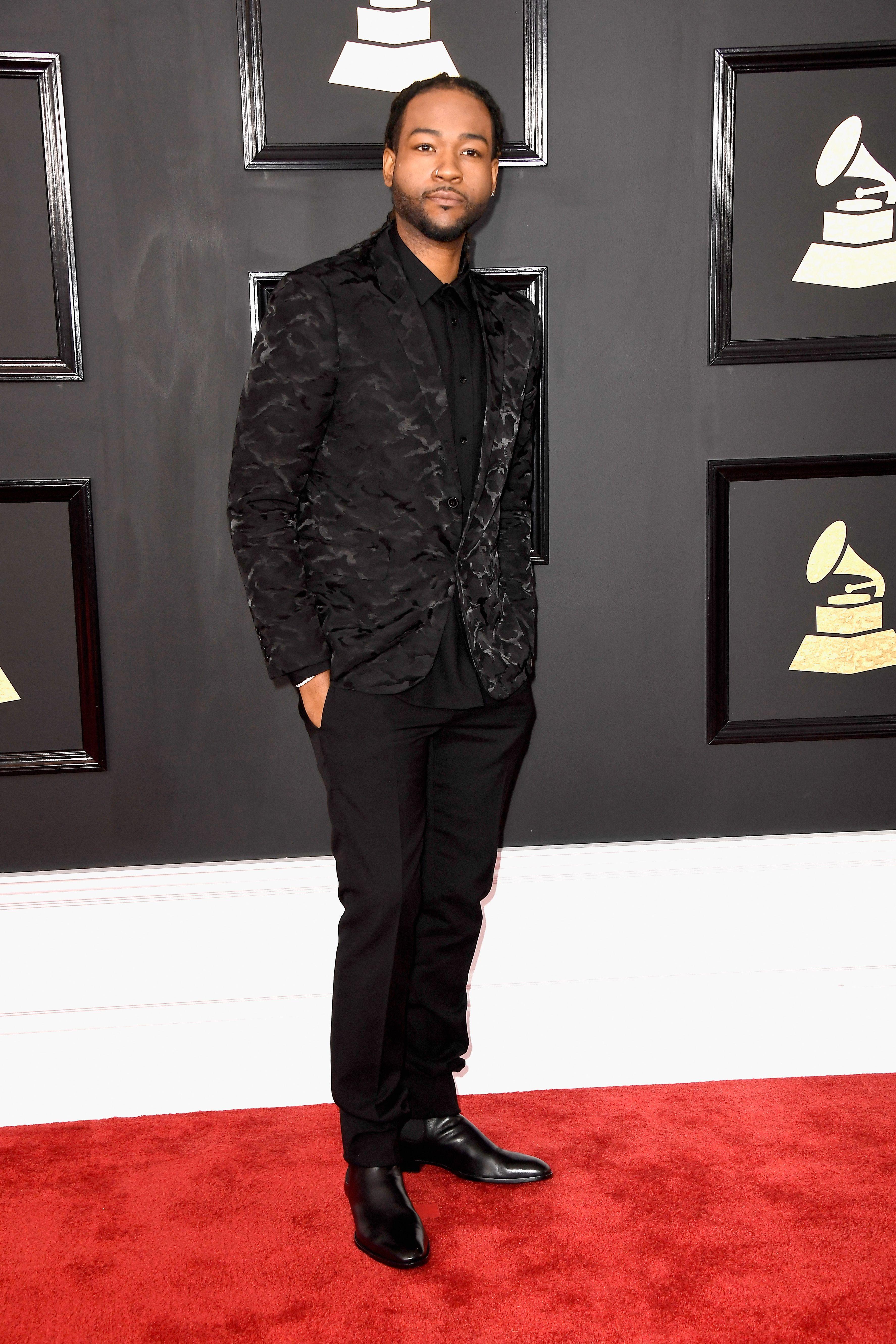 Significado de hombre vestido de negro