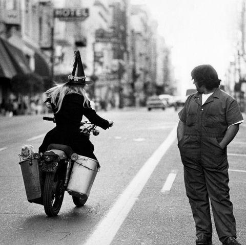Photograph, Black, Black-and-white, White, Monochrome photography, People, Monochrome, Mode of transport, Street, Snapshot,