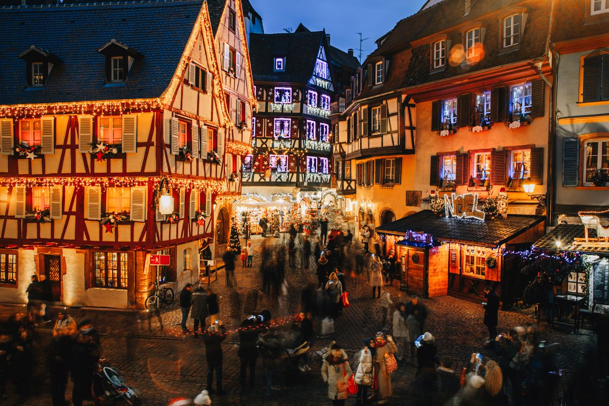 28 Best Christmas Villages And Towns In The World 2020
