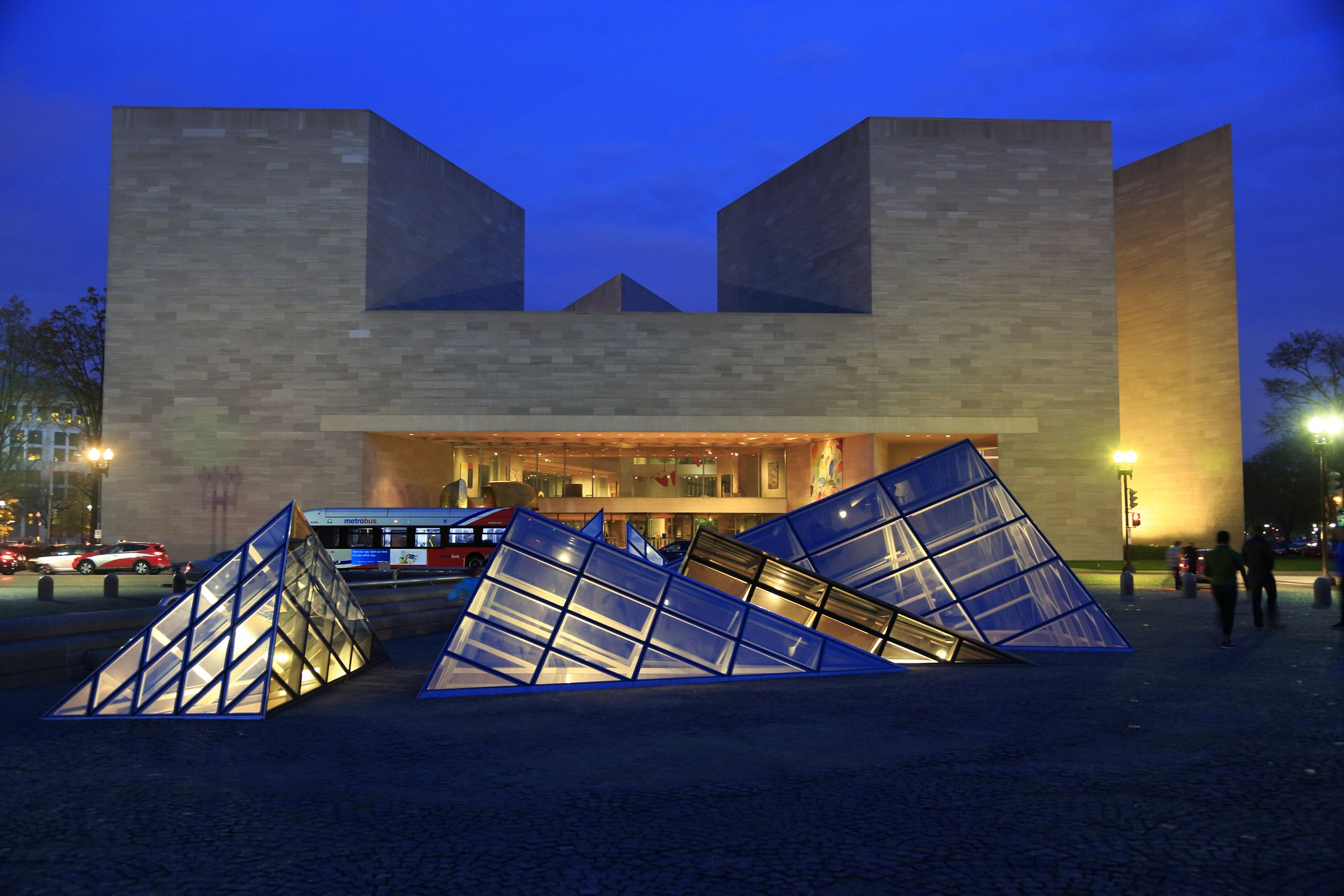 25 Best Museums in the World Famous Art Museums & Galleries to