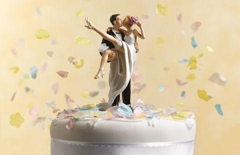 Buttercream, Torte, Cake, Baked goods, Figurine, Icing, Cake decorating, Dessert, Food, Illustration,