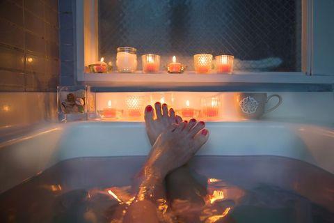 Heat, Lighting, Jacuzzi, Room, Hand, Finger, Leg, Jacuzzi, Flame, Bathing,