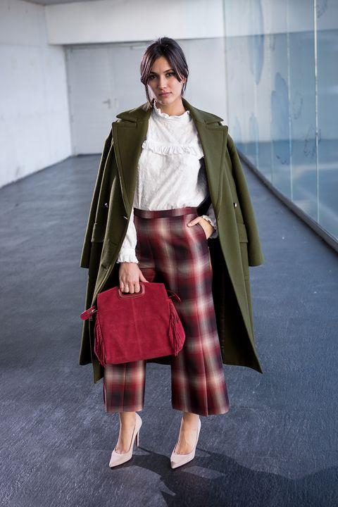 Clothing, Fashion, Tartan, Plaid, Street fashion, Pattern, Snapshot, Outerwear, Brown, Design,