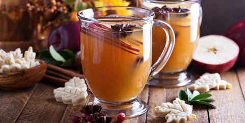 Apple Cider Crisp. Preheat oven to °F. Combine first four ingredients in a blender or food processor; pulse four times or until crumbly. Combine apple and next five ingredients in a large bowl; toss gently Servings: 8.