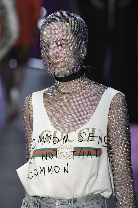 Shoulder, Purple, Sleeveless shirt, Fashion, Street fashion, Jewellery, Neck, Back, Violet, Necklace,