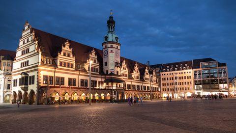 City, Landmark, Building, Town, Sky, Architecture, Human settlement, Town square, Public space, Plaza,