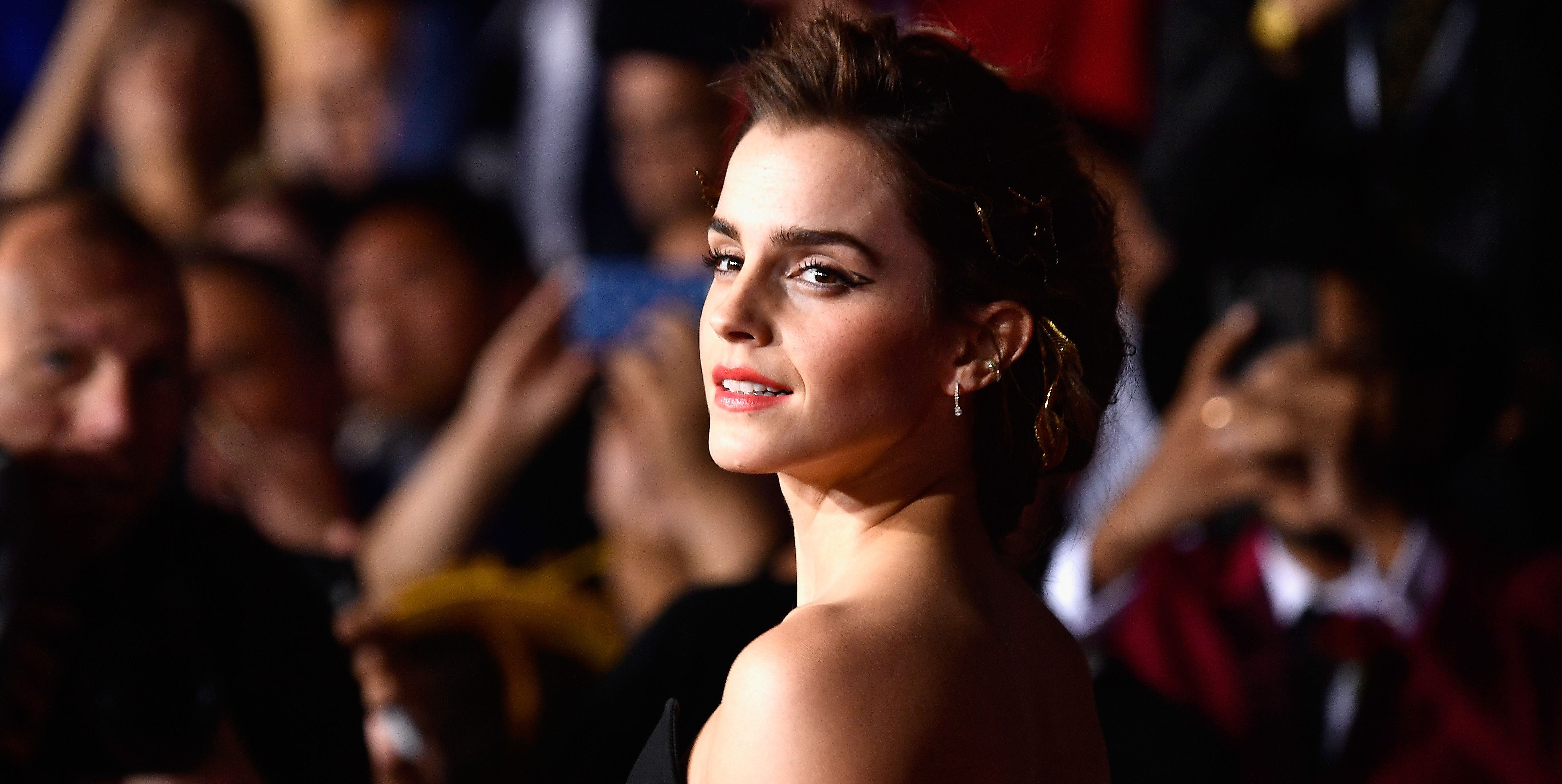 Emma Watson Shared the First Cast Photo from Greta Gerwig's Little Women