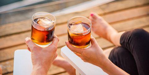 Drink, Alcohol, Alcoholic beverage, Beer, Cocktail, Distilled beverage, Hand, Liqueur, Spritz, Apéritif,