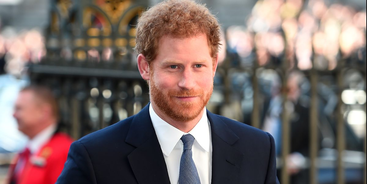 """Prince Harry Tells His Friends He """"Can't Believe His Life Has Been Turned Upside Down"""""""