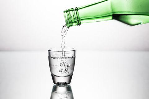 Water, Drink, Glass, Highball glass, Tumbler, Barware, Liquid, Distilled beverage, Pint glass, Liqueur,