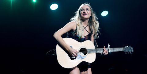 Performance, String instrument, Guitar, Entertainment, Music artist, Musical instrument, Musician, Performing arts, Music, Guitarist,