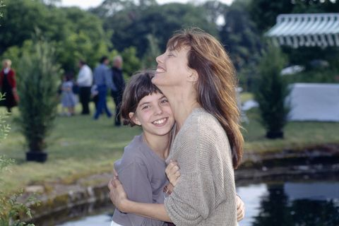 french actress lou doillon with her mother, british actress and singer jane birkin, on the set of the film les cent et une nuits de simon cinema, a hundred and one nights of simon cinema, directed by french director agnes varda photo by eric robertsygmasygma via getty images