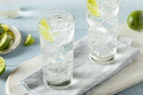 Lemon-lime, Drink, Lime, Gin and tonic, Lemonsoda, Vodka and tonic, Alcoholic beverage, Highball glass, Cocktail garnish, Rickey,