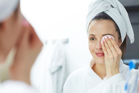 Medical procedure, Skin, Face, Health care provider, Nurse, Physician,