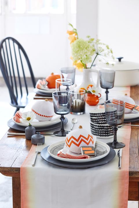 Sophisticated Halloween Dinner Party.20 Elegant Halloween Dinner Party Ideas How To Throw An