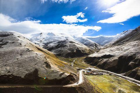 Mountainous landforms, Mountain, Highland, Sky, Mountain range, Nature, Natural landscape, Mountain pass, Valley, Wilderness,