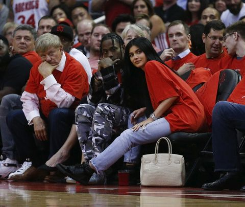 Kylie jenner and travis start dating