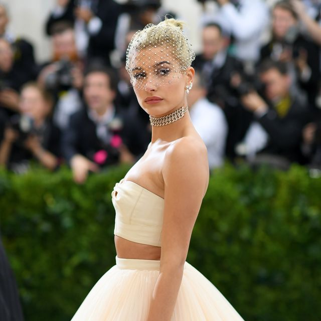hailey bieber apologises after restaurant hostess says she's 'rude' in tiktok video