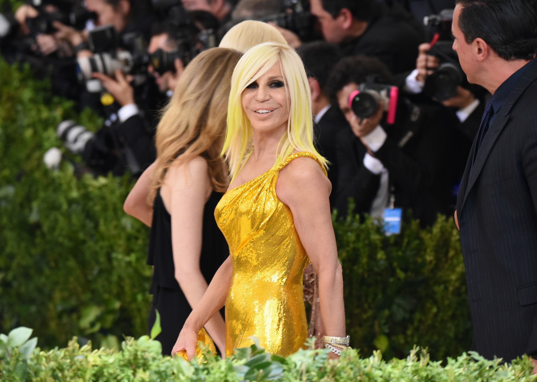 Donatella Versace Net Worth How Rich Is Fashion Designer Donatella Versace