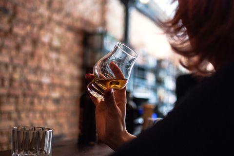 Alcohol, Drink, Liqueur, Glass, Distilled beverage, Barware, Stemware, Drinkware, Whisky, Wine glass,