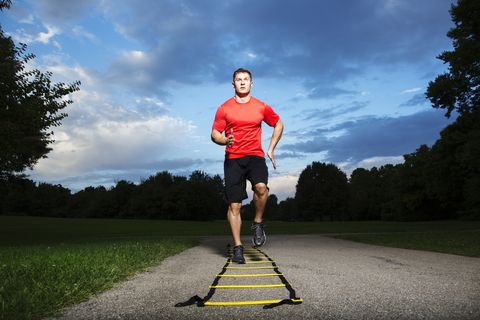 Outdoor recreation, Recreation, Running, Sports, Sky, Individual sports, Jogging, Athlete, Road, Long-distance running,