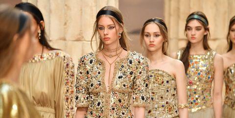 Waist, Style, Khaki, Fashion model, Fashion, Beauty, Trunk, Youth, Abdomen, Street fashion,
