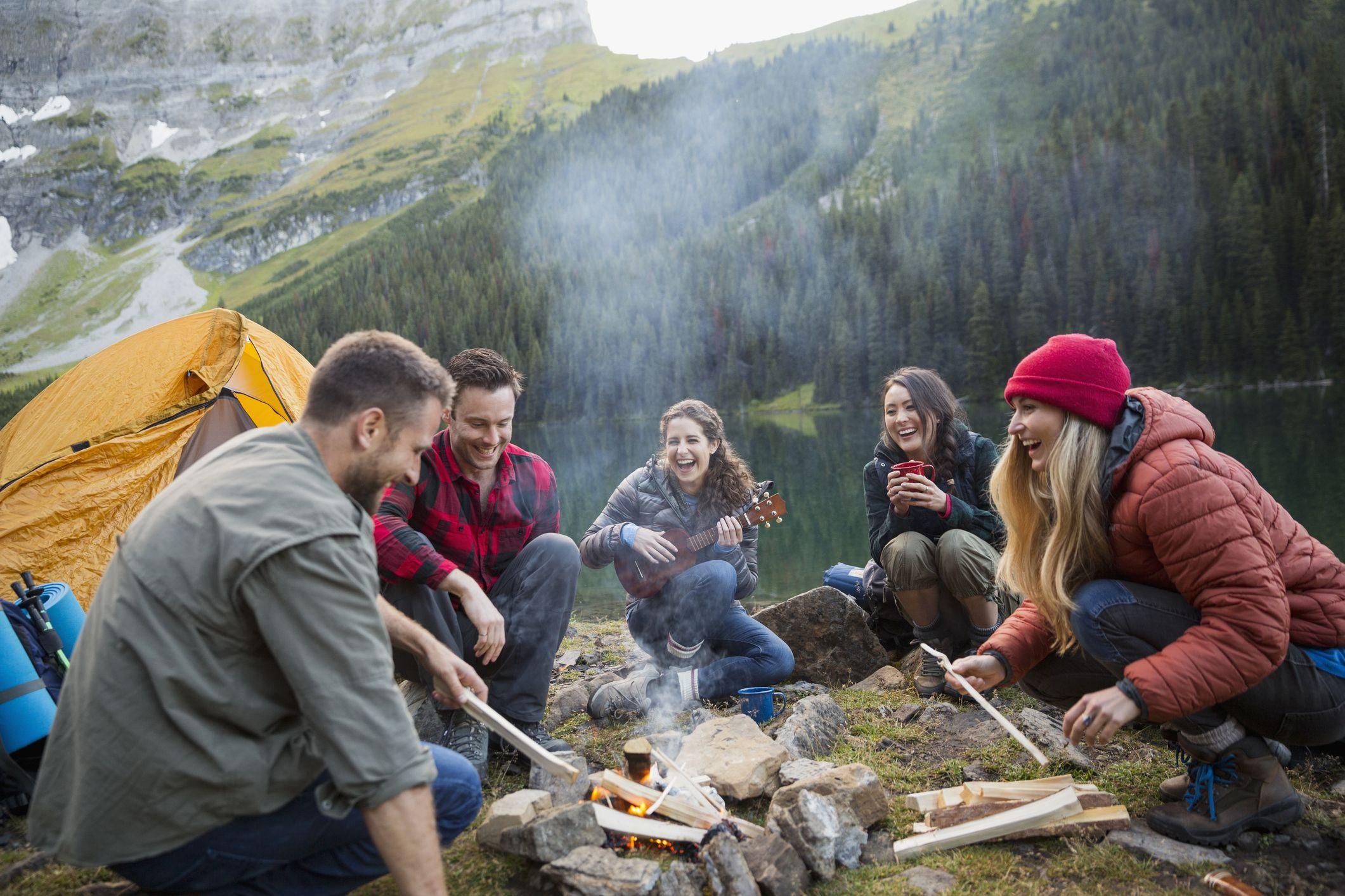 Explore Women/'s V-Neck T-Shirt Outdoors Camping Tourism Nature Campfire Tent