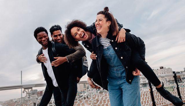 social distancing six friends
