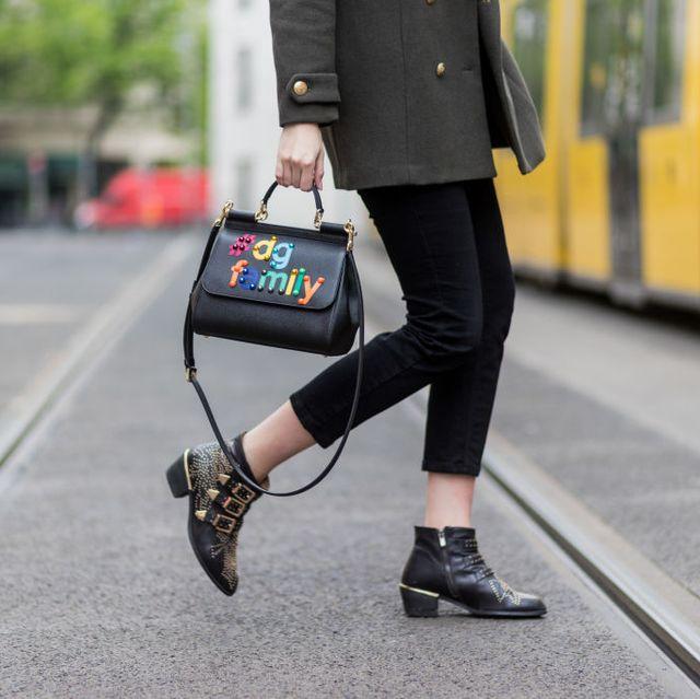 Street fashion, Clothing, Footwear, Fashion, Snapshot, Yellow, Jeans, Leggings, Jacket, Shoe,