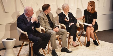 Event, Fashion, Sitting, Conversation, Photography, Suit, Performance, White-collar worker, Tourism, Style,