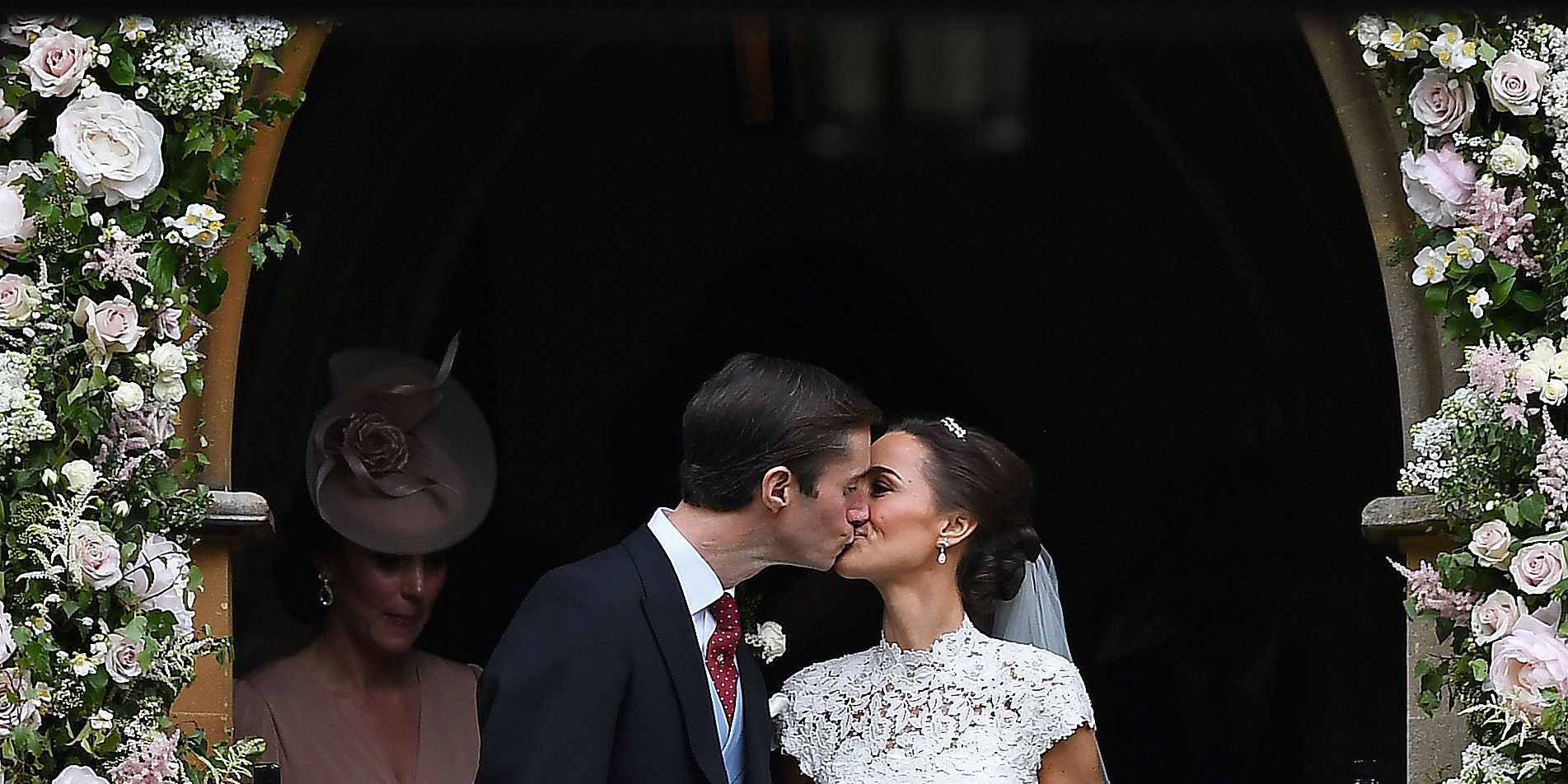 pippa middleton wedding kiss
