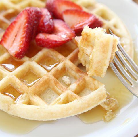 Food, Cuisine, Yellow, Dishware, Dish, Belgian waffle, Tableware, Photograph, White, Dessert,