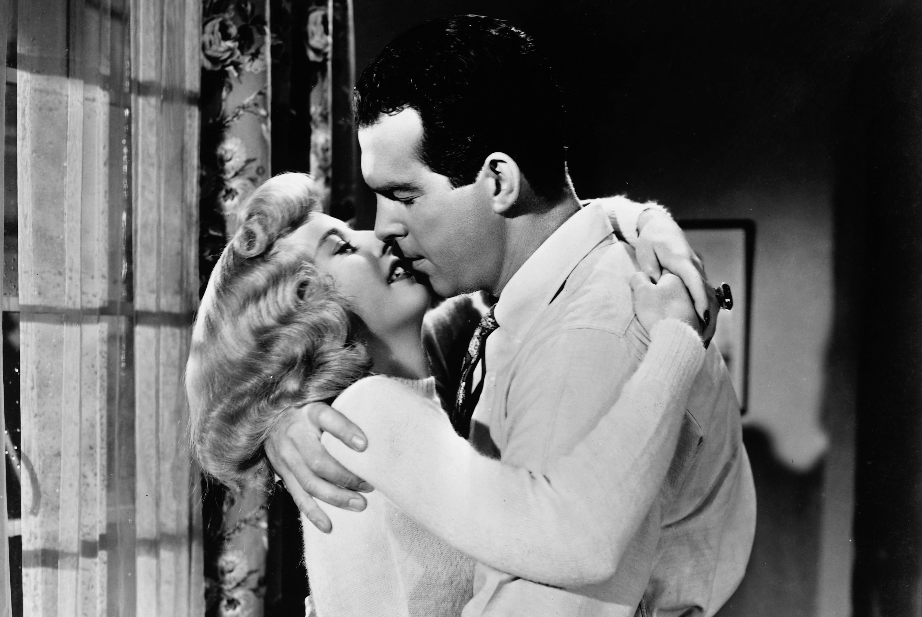 Watch Now Barbara Stanwyck sizzles as femme fatale Phyllis in this film, written and directed by Billy Wilder and based on a Raymond Chandler novel. Fred MacMurray co-stars as the square insurance man drawn into her plot—the poor simp never stood a chance against her charms.