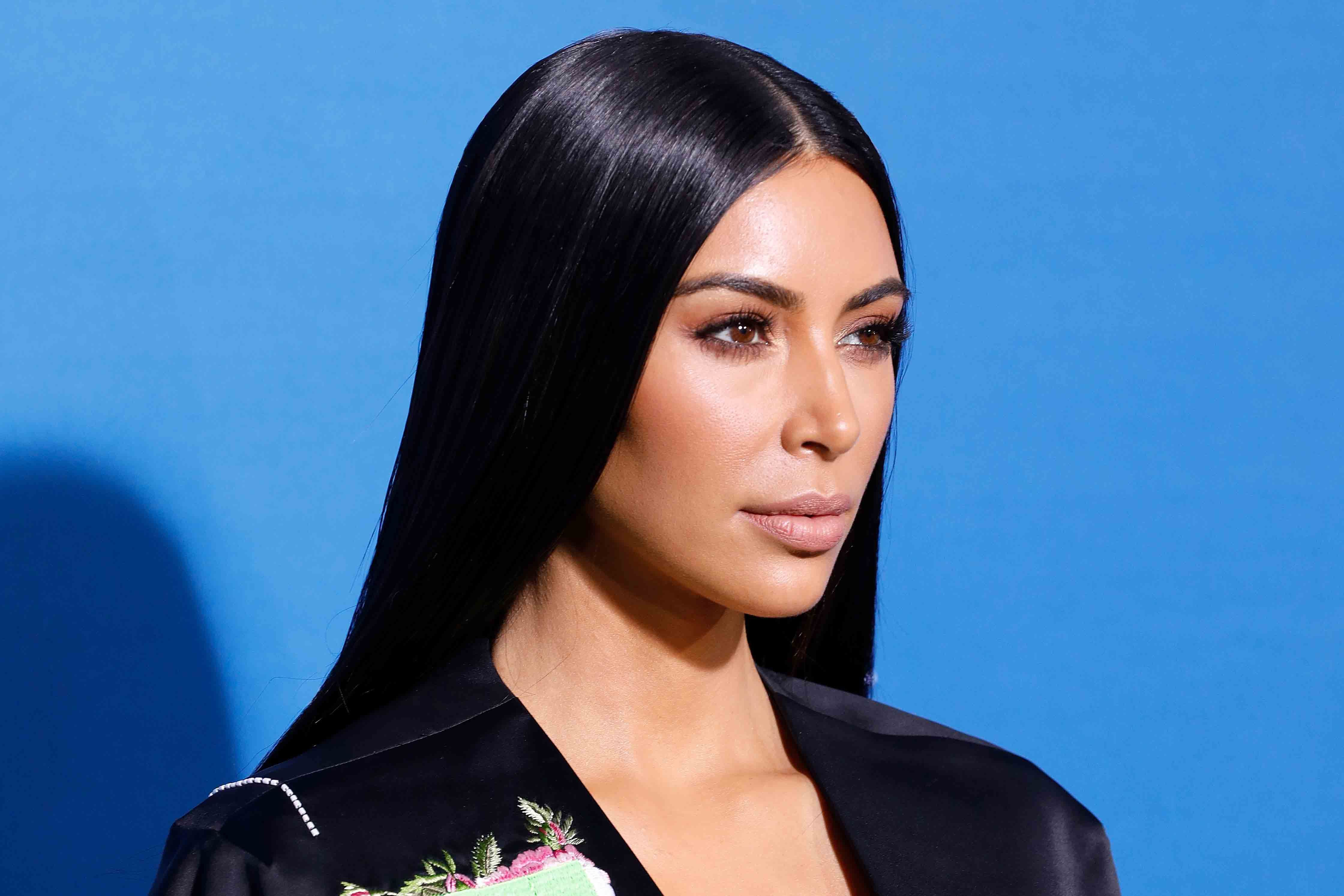 Kim Kardashian's New Chunky Highlights Will Give You All the '90s Feels