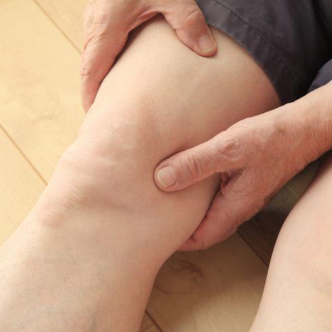 Knee pimple pop video