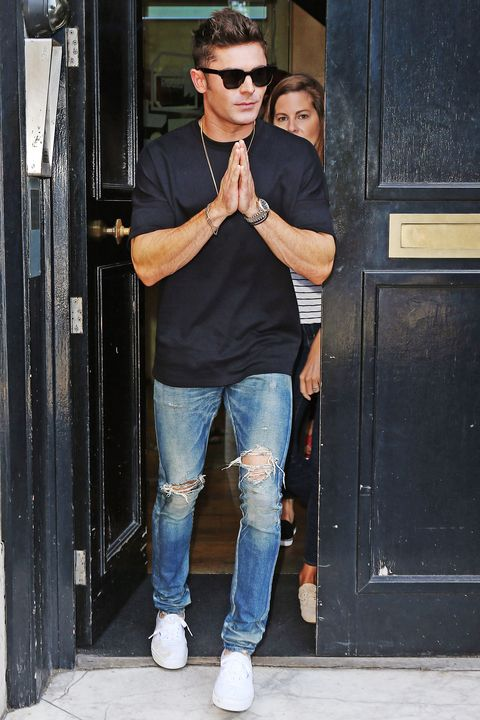 Zac Efron S Best Casual Style Zac Efron Loves Bombers