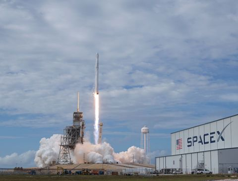 spacex rocket unmanned launch