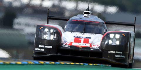 Mode of transport, Automotive exterior, Motorsport, Logo, Race car, Touring car racing, Racing, Auto racing, Sports car racing, Bumper,