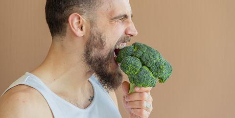 Broccoli, Cruciferous vegetables, Leaf vegetable, Food, Eating, Neck, Plant, Superfood, Hand, Vegetable,