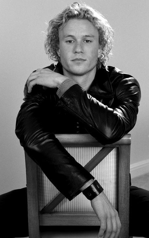 White, Black, Beauty, Black-and-white, Sitting, Blond, Photo shoot, Photography, Lip, Monochrome,