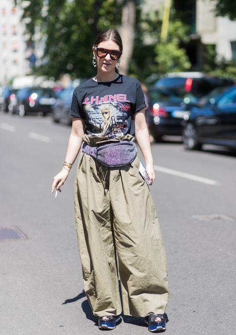looks con pantalones anchos la tendencia de otoño 2020 que llevan ya las insiders
