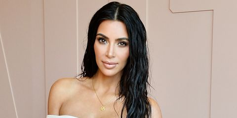 5addfbddf3 Kim Kardashian Jokes About Her Eyebrows At School In Adorable ...