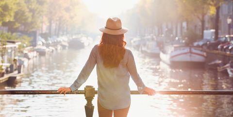 Water, Atmospheric phenomenon, Light, Sunlight, Sky, Yellow, Waterway, Morning, Backlighting, Photography,