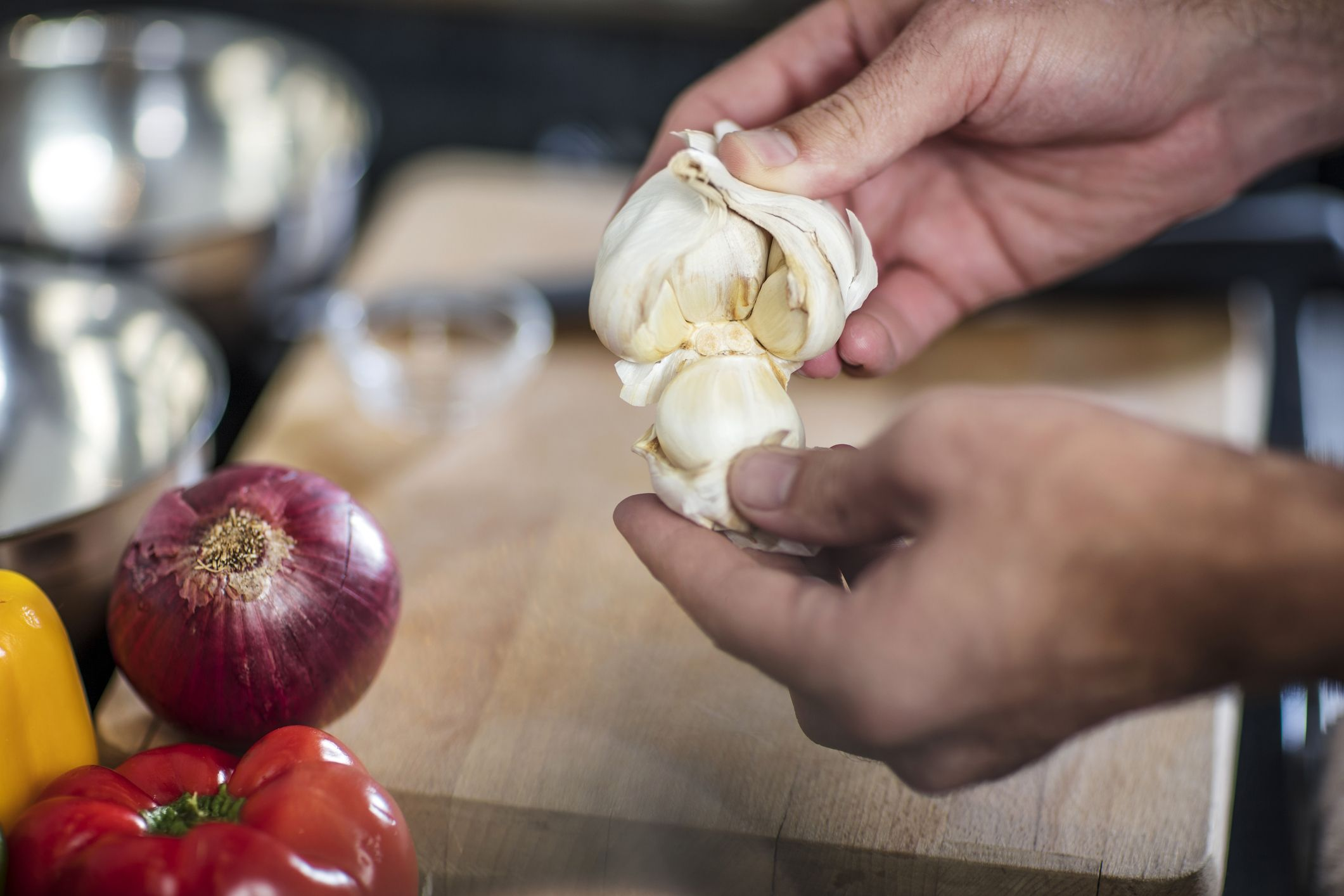 This Viral Hack for Peeling Garlic is Life Changing