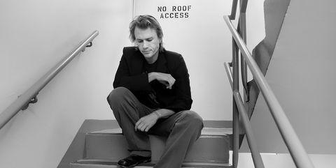 White, Black, Stairs, Black-and-white, Sitting, Snapshot, Standing, Leg, Monochrome, Photography,